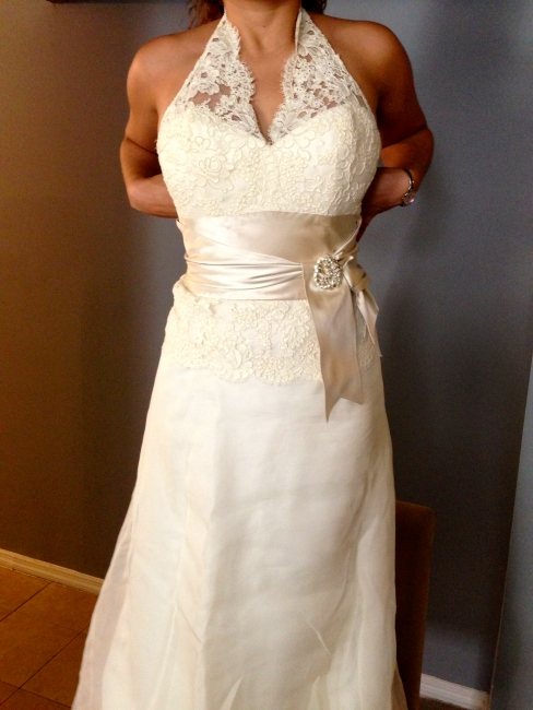 New york gorgeous satin lace amsale gown sizes 2 4 for Sell wedding dress nyc