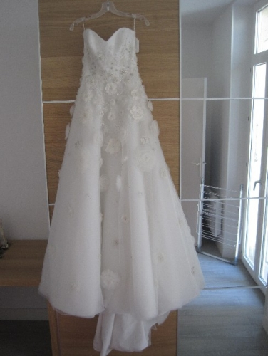 California tara keely sample dress never worn sizes 6 8 for How to sell wedding dress never worn
