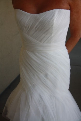 California monique lhullier never worn sizes 2 4 for How to sell wedding dress never worn