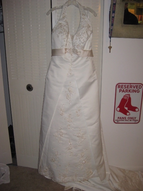 New york satin a line chapel train exquisite sizes 12 for Sell wedding dress nyc