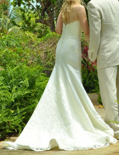 New york augusta jones stunning wedding gown sizes 6 8 for Sell wedding dress nyc
