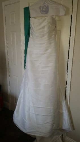 Pennsylvania alfred angelo bridal gown neverworn sizes for How to sell wedding dress never worn